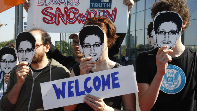 'Grant Snowden French asylum' petition gets 150,000 signatures