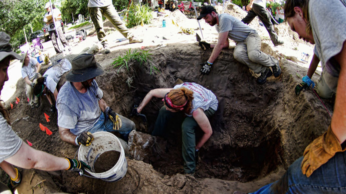 Mass graves filled with remains of immigrants discovered in Texas