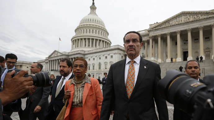 Washington D.C. Mayor Vincent Gray and Rep. Delegate Eleanor Holmes Norton (D-DC) (L) are pictured outside the U.S. Capitol in Washington (Reuters/Jason Reed)