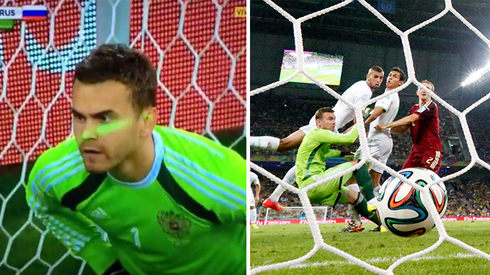 This combo of photos shows Algeria's Islam Slimani scores past Russia's goalkeeper Igor Akinfeev (L) during their 2014 World Cup Group H soccer match at the Baixada arena in Curitiba June 26, 2014. (Reuters / Murad Sezer)