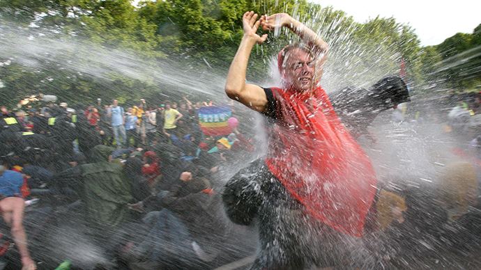 3 second hand water cannons coming to london next week rt uk - Second hand mobile homes freedom in motion ...