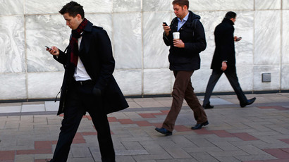 ​UK unemployment falls, but youth still feeling pinch