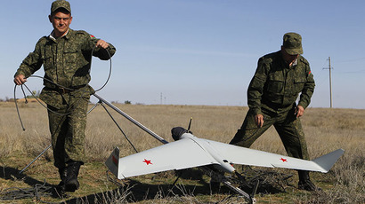 Belarussian soldiers preparing to launch an unmanned reconnaissance vehicle (RIA Novosti / Alexey Kudenko)