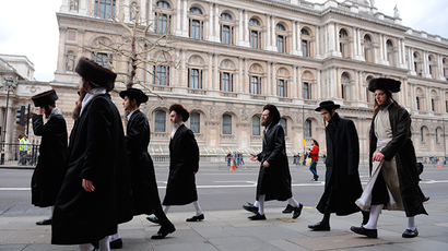 A group of Orthodox Jews attend an anti-war demonstration in central London. (Reuters / Toby Melville)