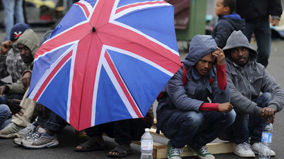 ​700,000 immigrants to UK can't speak English – report