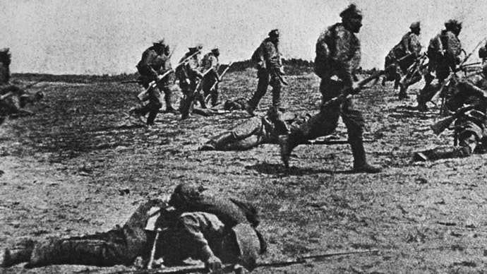Russian troops attacking on the South-Western front (photo made in 1916, and reprinted by N. Pashin in 1963. (RIA Novosti)