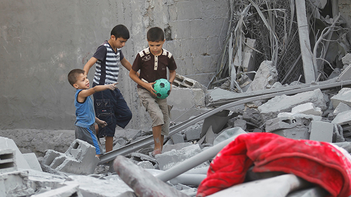 Pic of Gaza 6yo dressed up as journalist takes Twitter by storm