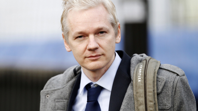 Julian Assange (Reuters / Andrew Winning)