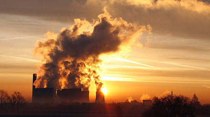 A coal-fired UK power station emits plumes of noxious gas. (Reuters / Phil Noble)