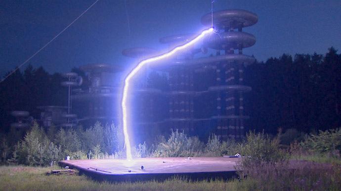 tesla-marx-generator-lightning.si.jpg