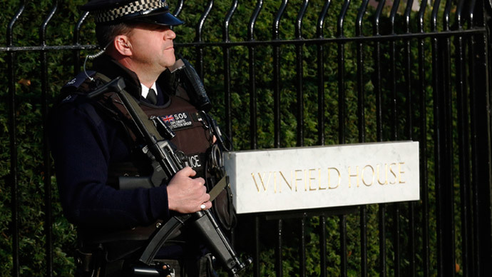 100 British cops suspended each year on corruption allegations