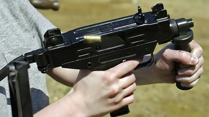 9yo girl accidentally kills gun instructor in Arizona