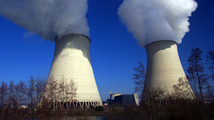 General view of the 2620 MW Nuclear power station of Nogent-Sur-Seine a 100km east of Paris..(Reuters / Jacky Naegelen)