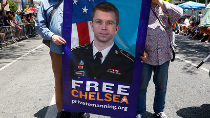 Chelsea Manning on the Islamic State: 'ISIS cannot be defeated by bombs and bullets'