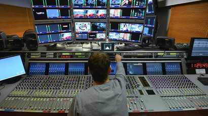An employee at the cutting room of the Ostankino TV Center.(RIA Novosti / Ramil Sitdikov)