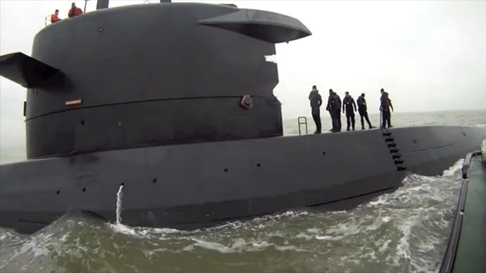 Submarine HNLMS Bruinvis (screenshot from youtube video)