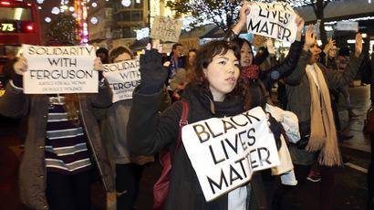 Scuffles, arrests as pro-Ferguson NYC activists disrupt Thanksgiving parade (VIDEO)