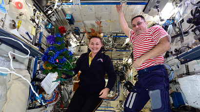 ISS crew decorates the space station with Christmas and New Year just around the corner. Photo courtesy: roscosmos.ru