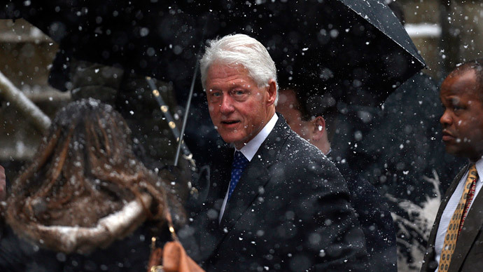 Bill Clinton's name found 21 times in rich sex offender's phone book (VIDEO)