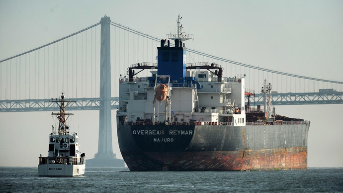 ​Major oil traders book tankers for stockpiling crude at sea – report
