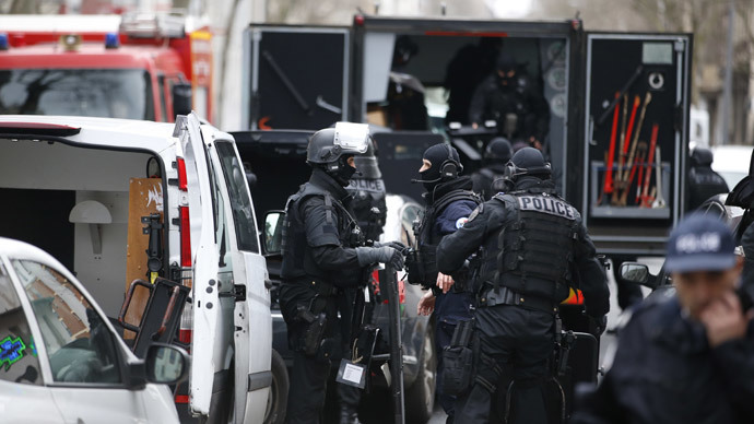 ​Killing of policewoman in Paris linked to Charlie Hebdo attack – reports