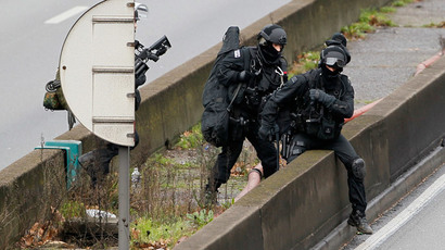 Up to 6 terror cell members may be at large after Paris attacks – police