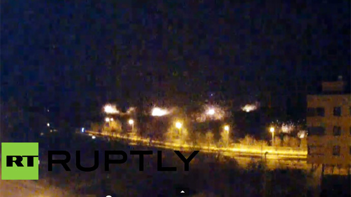 Shelling lights up night sky over Donetsk airport as fighting intensifies (VIDEO)