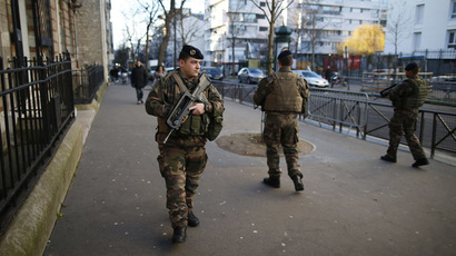 French soldiers secure the access to a Jewish school in Paris. (Reuters/Charles Platiau)