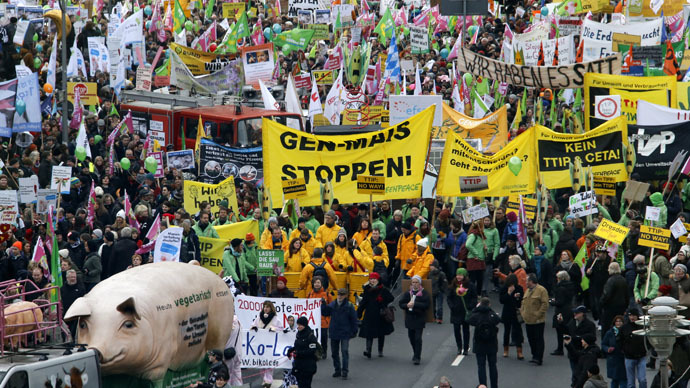 'We are fed up!': Thousands march against TTIP & GMOs in Berlin (PHOTOS, VIDEO)