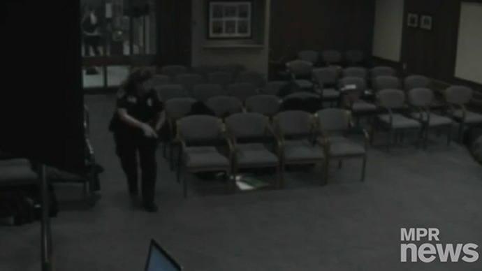 ​Gunman breaks into Minnesota city council meeting, opens fire (VIDEO)
