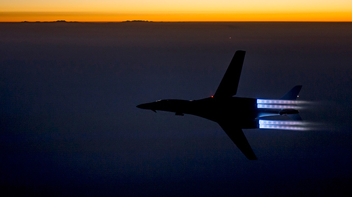 A US Air Force B-1B Lancer supersonic bomber flies over northern Iraq (Reuters / HO)