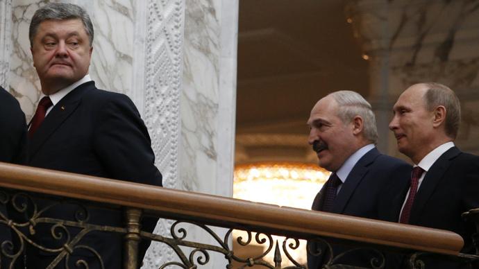 Ukraininan President Petro Poroshenko (L),  Belarusian President Aleksandr Lukashenko and Russian President Vladimir Putin (R) after a meeting in Minsk, February 11, 2015. (Reuters / Grigory Dukor)