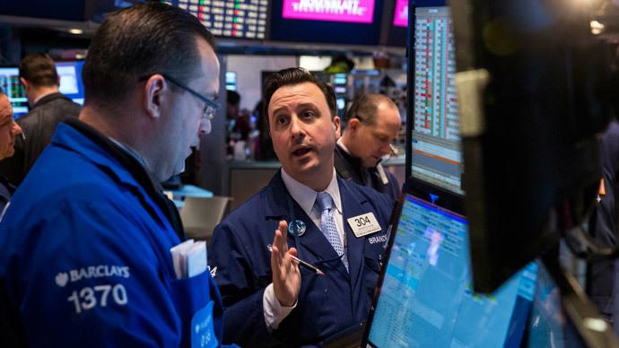 US regulators revive effort to cut Wall Street risk taking bonuses