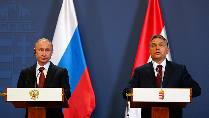 Hungarian Prime Minister Viktor Orban (R) addresses during a joint news conference with Russian President Vladimir Putin in Budapest February 17, 2015. (Reuters / Laszlo Balogh)