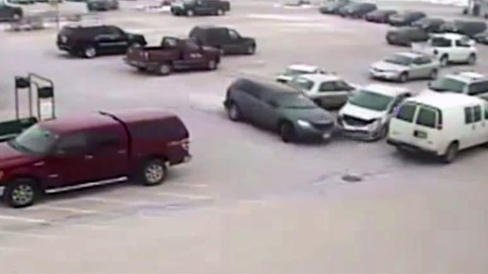 92-year old Wisconsin man hits 9 cars in Piggly Wiggly parking lot (VIDEO)