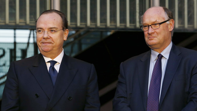 HSBC Chief Executive Stuart Gulliver (L) and Group Chairman Douglas Flint. (Reuters/Bobby Yip)
