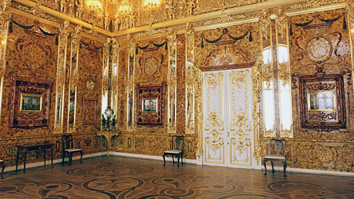 The famous Amber Room in Catherine Palace near St. Petersburg, Pushkin. (RIA Novosti / Sergey Velichkin)