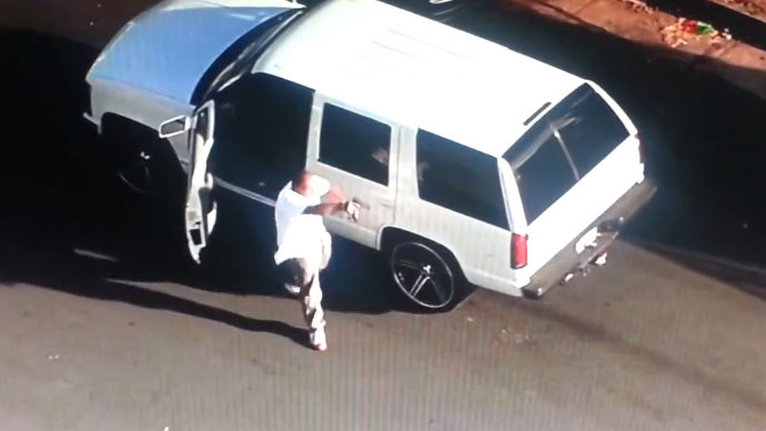 LA car chase ends in shootout with police on live television