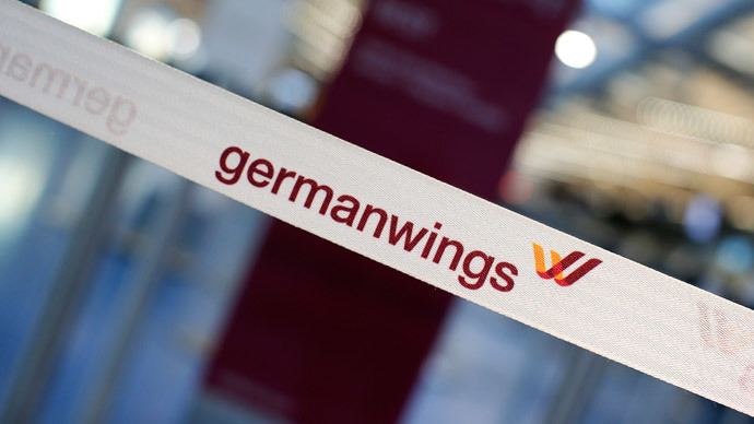 Germanwings A320 passenger plane crashes in Southern France