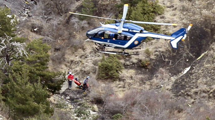 1 pilot locked outside cockpit when Germanwings crashed