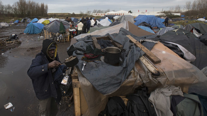 Calais officials to evict migrants, bulldoze shanty town