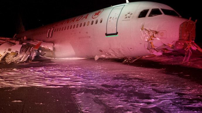 Air Canada flight crashes on runway in Halifax (PHOTOS, VIDEO)
