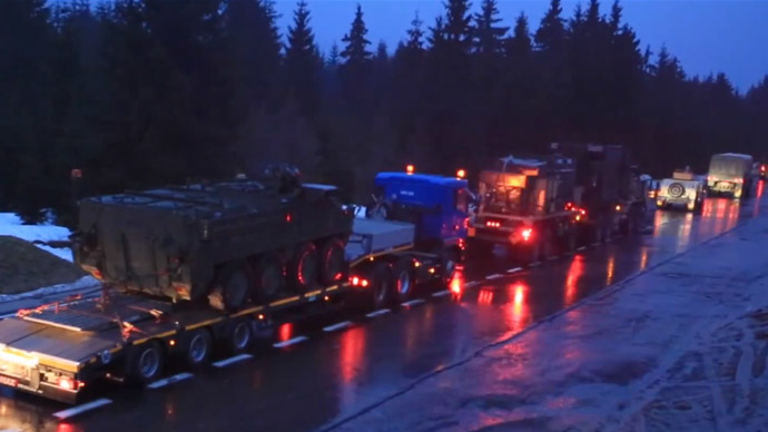Breakdown: Czech spectators give up waiting for US Army convoy after 7hr wait