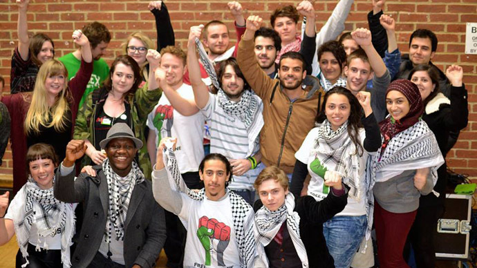 Sussex students celebrate overwhelming victory for Israel boycott motion. (Credit: Michael Segalov