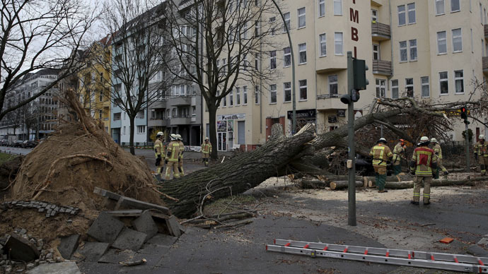 Storm Niklas rages through Europe, killing at least 4 (PHOTOS, VIDEO)