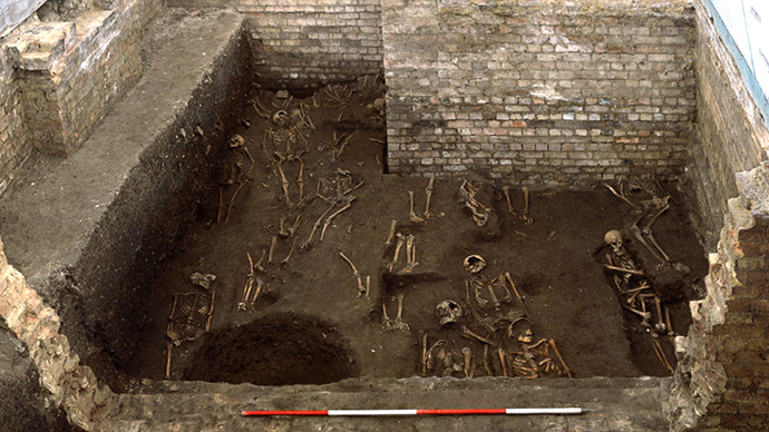 Medieval tomb: 1,300 bodies discovered under Cambridge college