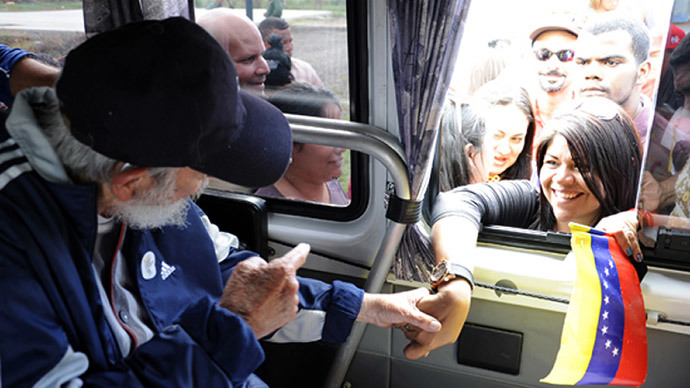 Fidel Castro appears in public for first time in 14 months (PHOTOS)