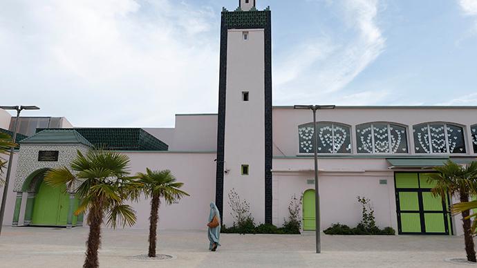 The Mantes-la-Jolie mosque, in a suburb of Paris (Reuters / Youssef Boudlal)