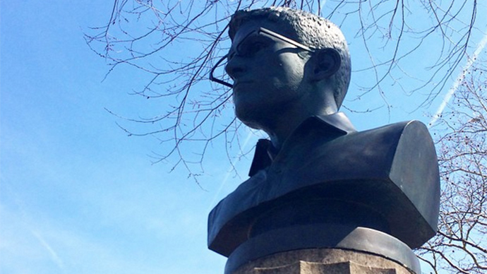 Snowden cover-up: Unauthorized bust in Brooklyn becomes martyr to cause
