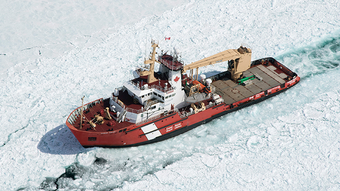 The Canadian Coast Guard Ship (CCGS) Samuel Risley is shown in this aerial photo near Whitefish Bay on Lake Superior northwest of Sault Ste. Marie, Ontario April 7, 2015.  (Reuters / Kenneth Armstrong)